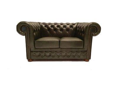 Chesterfield Sofa First Class Leder |2-Sitzer | Cloudy Grün | 5 Jahre Garantie